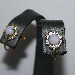 Vintage gold opal rhinestone screw on earrings